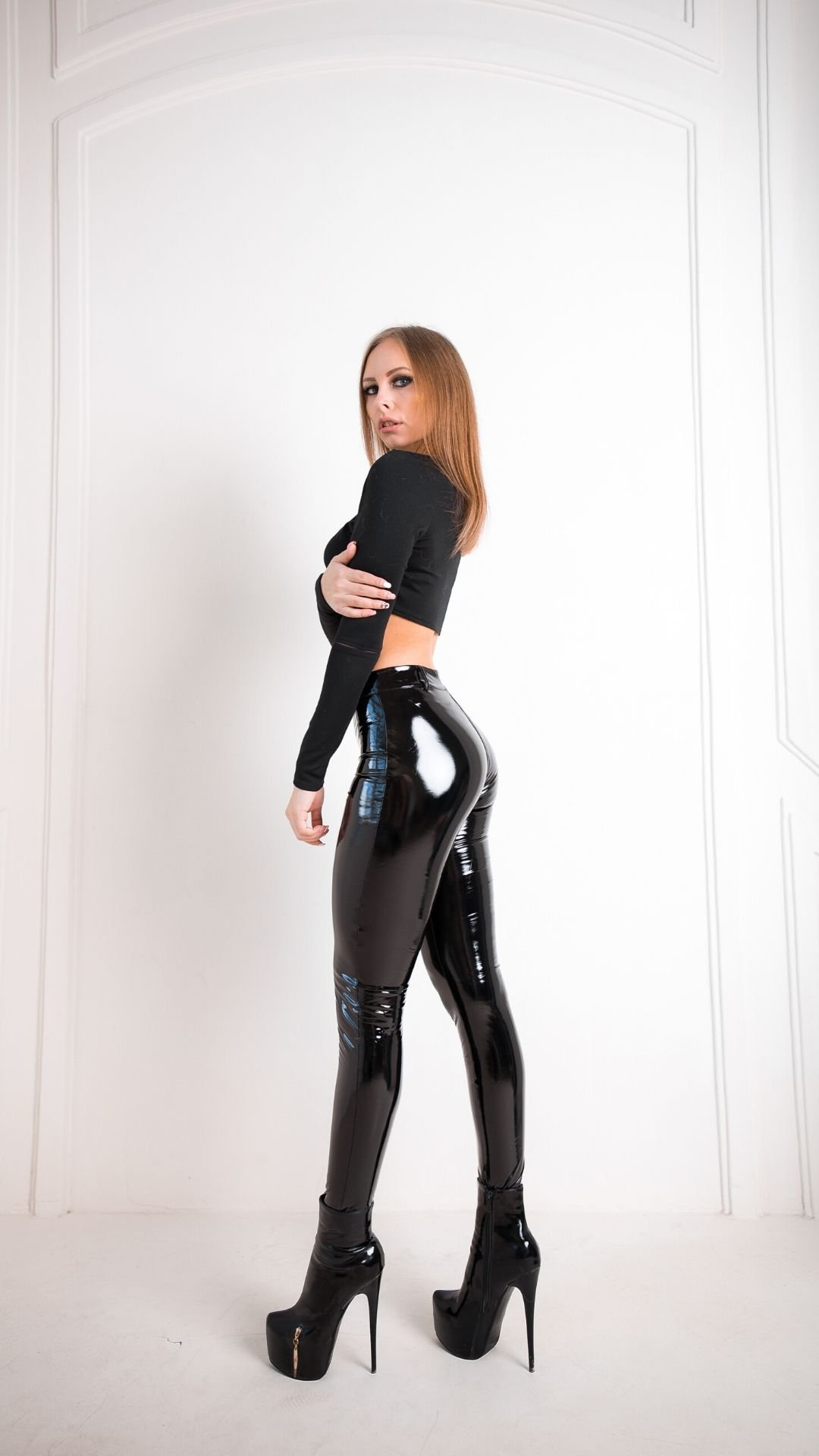 Shiny-Zipper-Leggings-Black